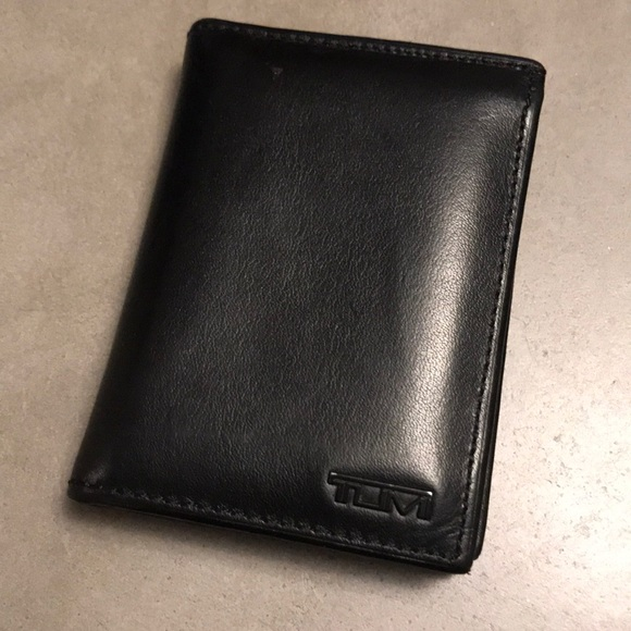 fb0f4c429de9 Tumi Men s Delta L-Fold ID Wallet